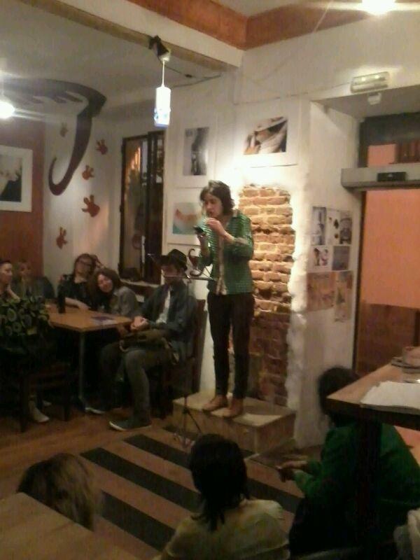 La poeta Olaia Pazos lee en El Dinosaurio todavía estaba allí