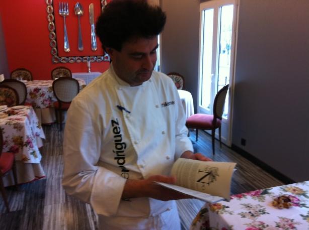 Pepe Rodríguez de Masterchef lee enCrudo en El Bohío