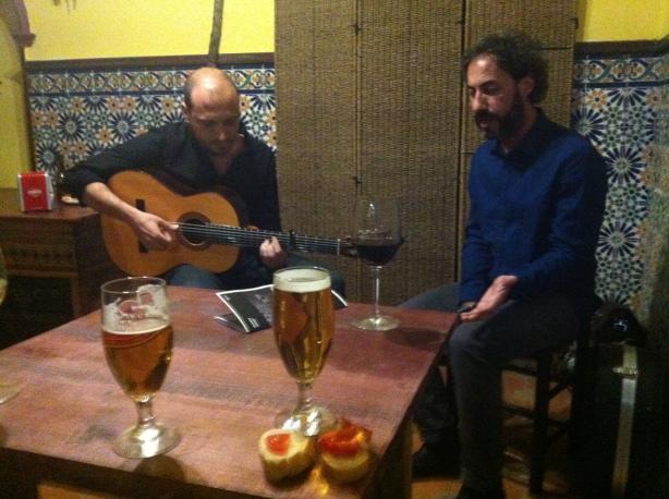 David Morello canta versos actuales por flamenco