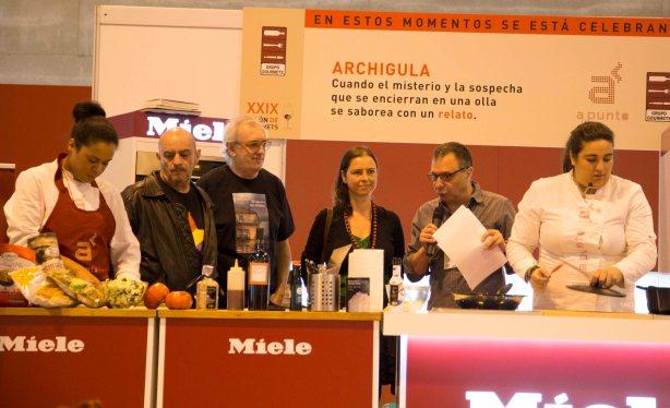 En el escenario de Apunto en Gourmets. Foto: Jorge Gutiérrez Narro