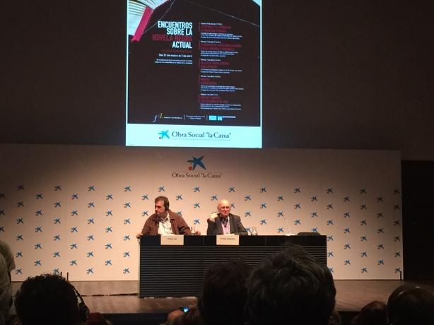 El escritor griego Petros Márkaris en Madrid. Encuentros sobre la novela negra. El chef ha muerto.